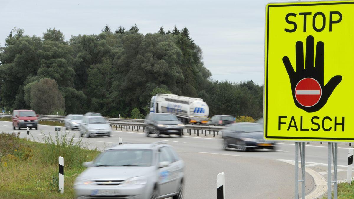 Symboldbild für Maßnahmen zur Verbesserung der Verkehrssicherheit auf bayerischen Straßen