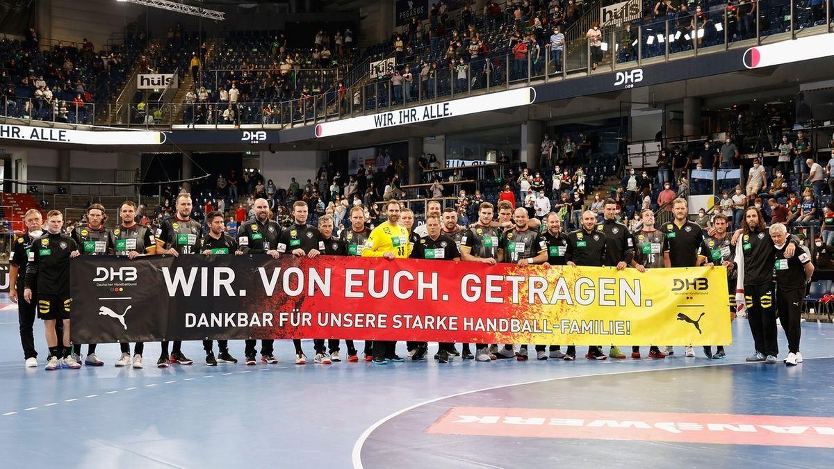 Die deutsche Handball-Nationalmannschaft nach dem letzten Olympiatest in Nürnberg