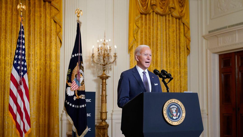 19.02.2021, USA, Washington: Joe Biden, Präsident der USA, spricht aus dem East Room im Weißen Haus, während er an der virtuellen Münchner Sicherheitskonferenz teilnimmt.