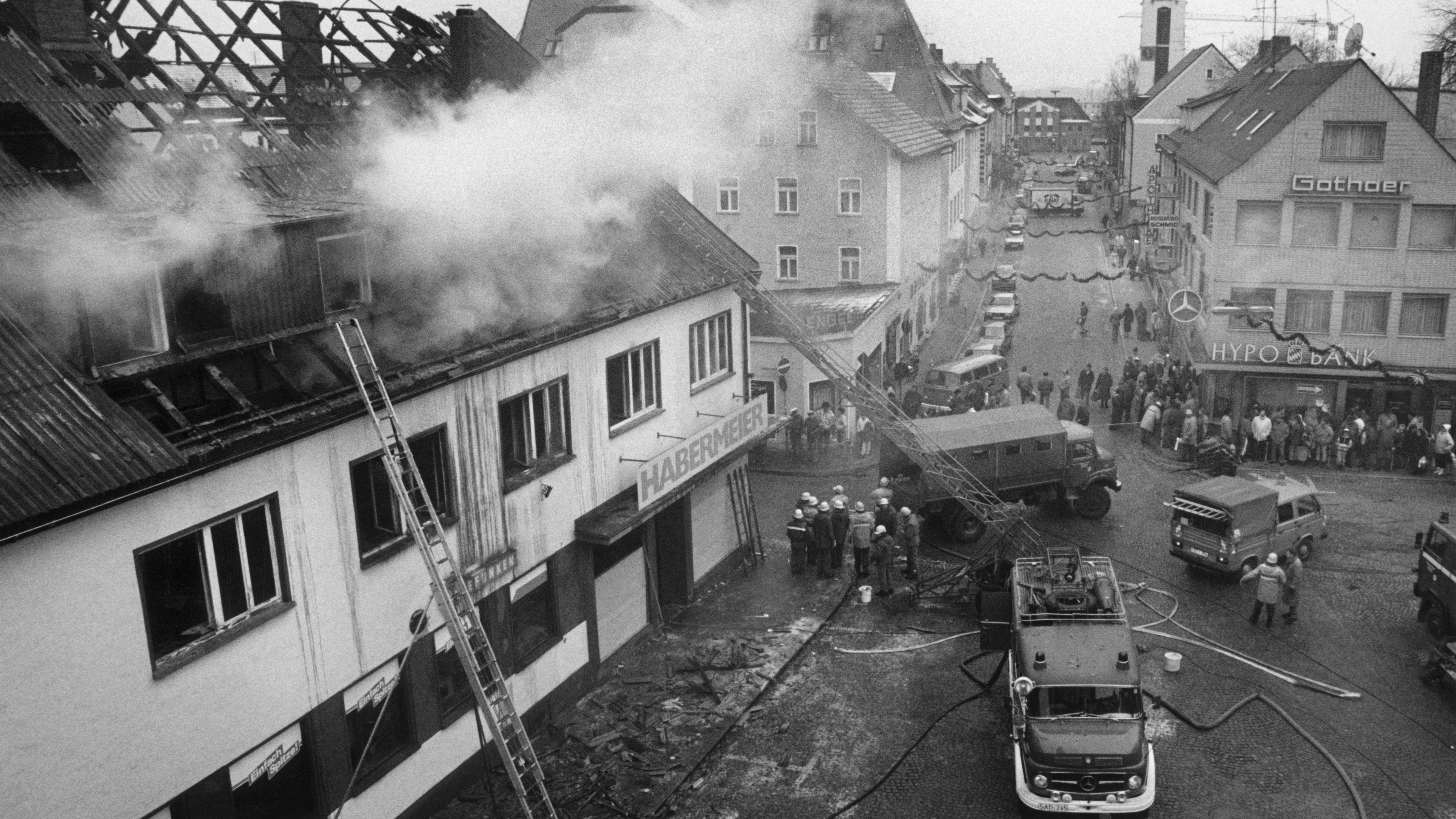 Brennendes Habermeier-Haus in Schwandorf 1988