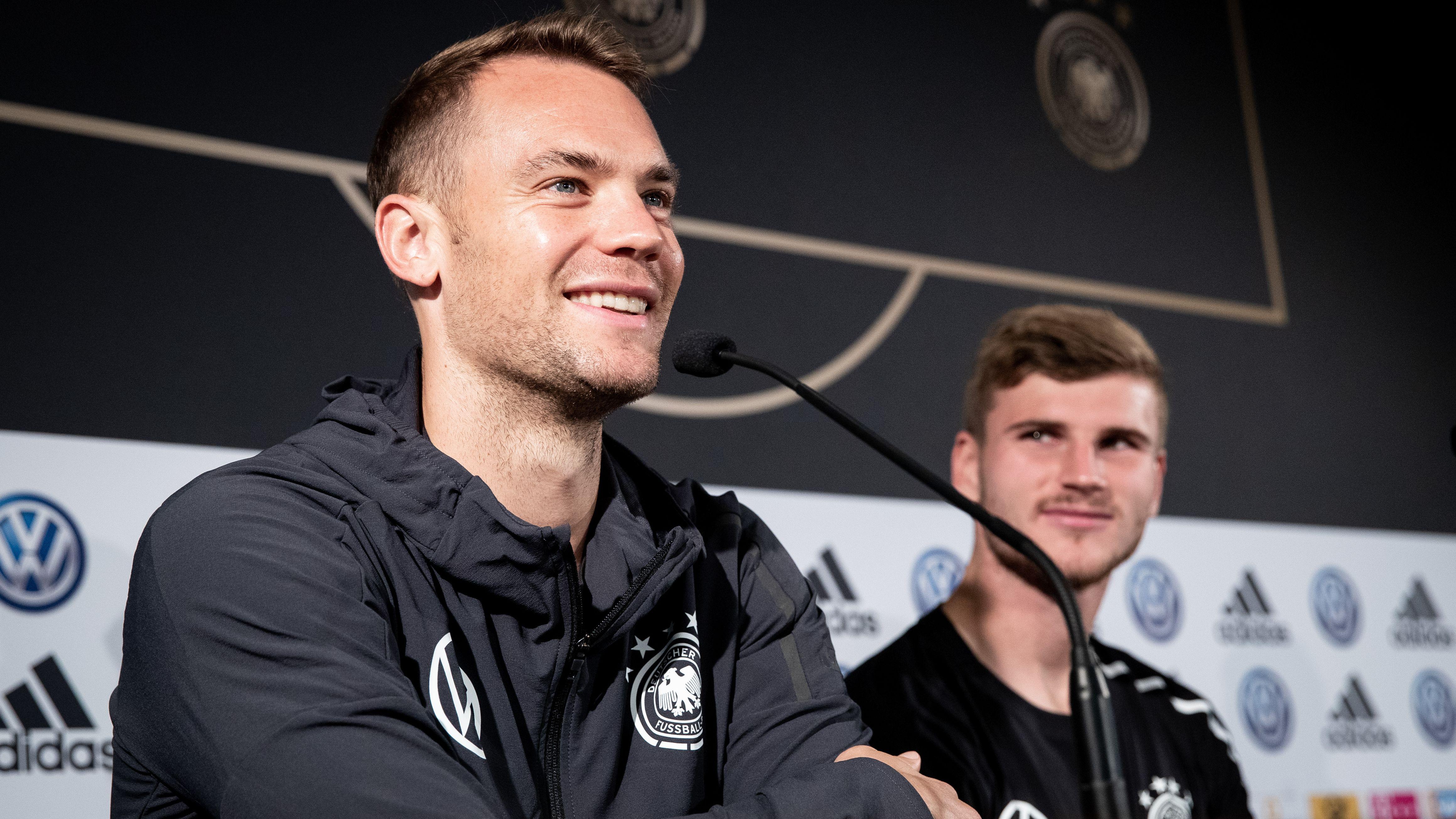 Frotzeleien im DFB-Quartier: Manuel Neuer (links) und Timo Werner