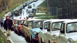 4. November 1989; Trabbis auf dem Weg nach Westen | Bild:Bildcopyright