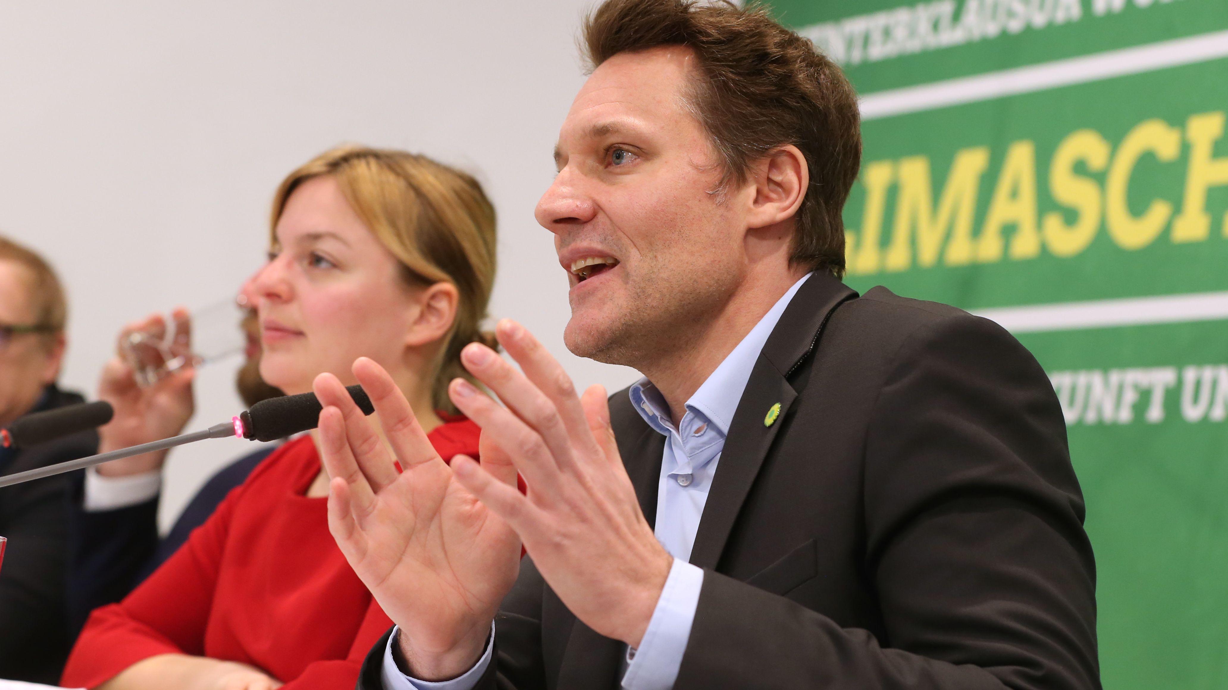 Würzburg: Katharina Schulze und Ludwig Hartmann, die beiden Fraktionsvorsitzenden der Grünen im bayerischen Landtag, bei einer Pressekonferenz