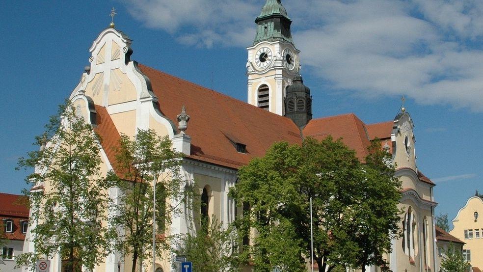 In der St. Josef Kirche in Regensburg-Reinhausen hatte der mutmaßliche Täter sein Diebeslager angelegt.