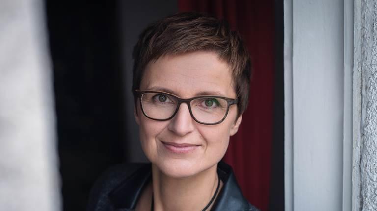 Claudia Cornelsen, Autorin und Beraterin