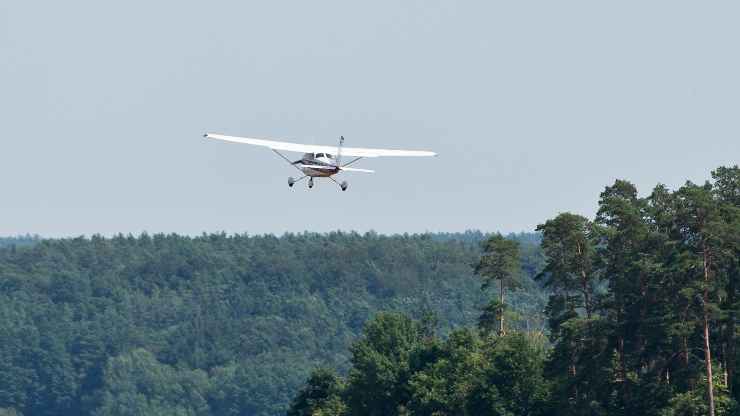 Flugzeug der Luftbeobachtung