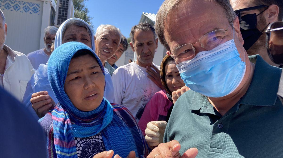 Armin Laschet, Ministerpräsident von Nordrhein-Westfalen, besucht das Flüchtlingslager Kara Tepe auf der griechischen Insel Lesbos.