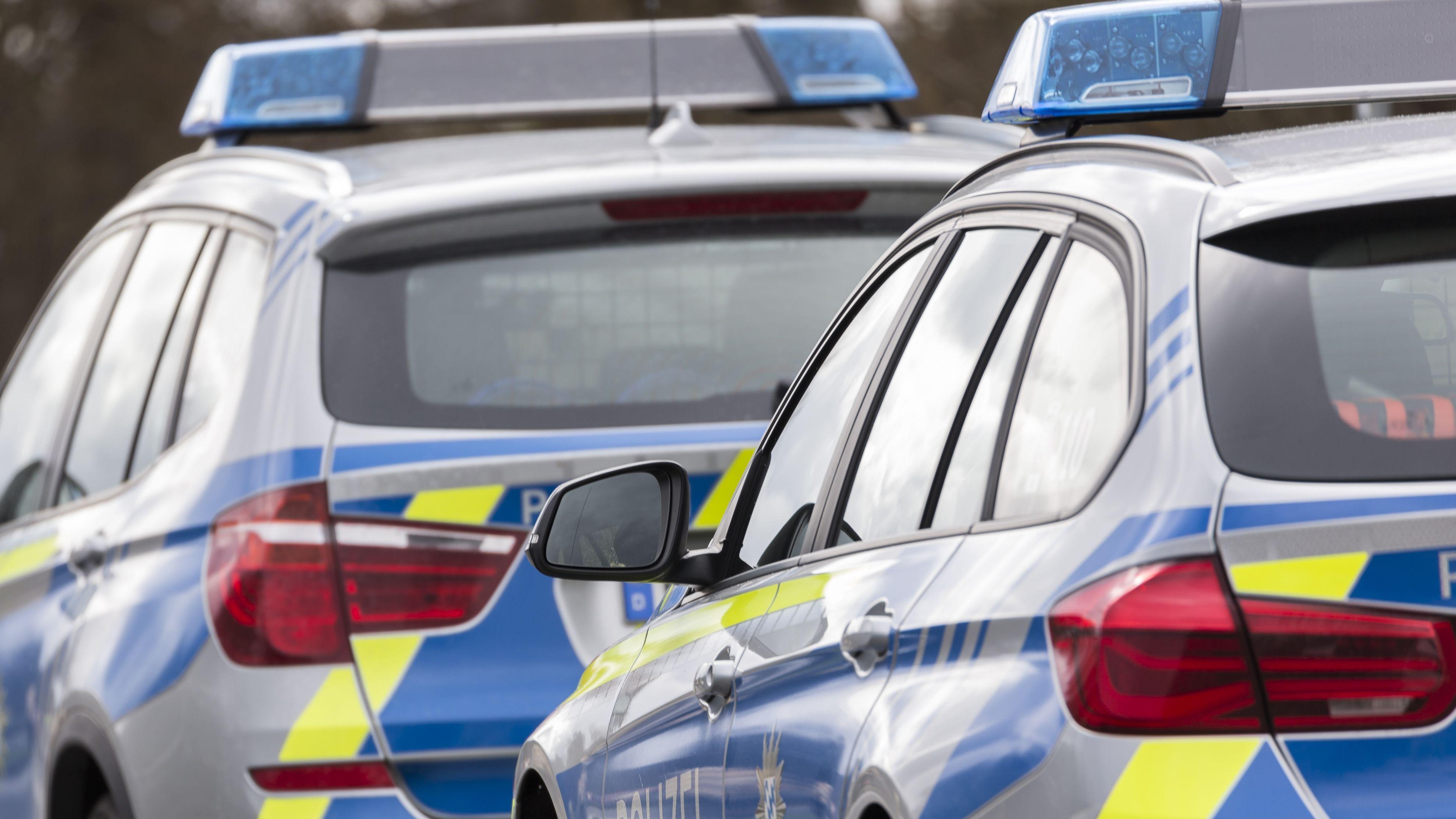 Die Polizei war nach dem Fehlalarm mit insgesamt acht Streifenwagen ausgerückt.