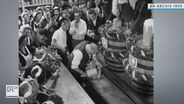 OB Thomas Wimmer beim Anzapfen des ersten Fasses | Bild:BR Archiv