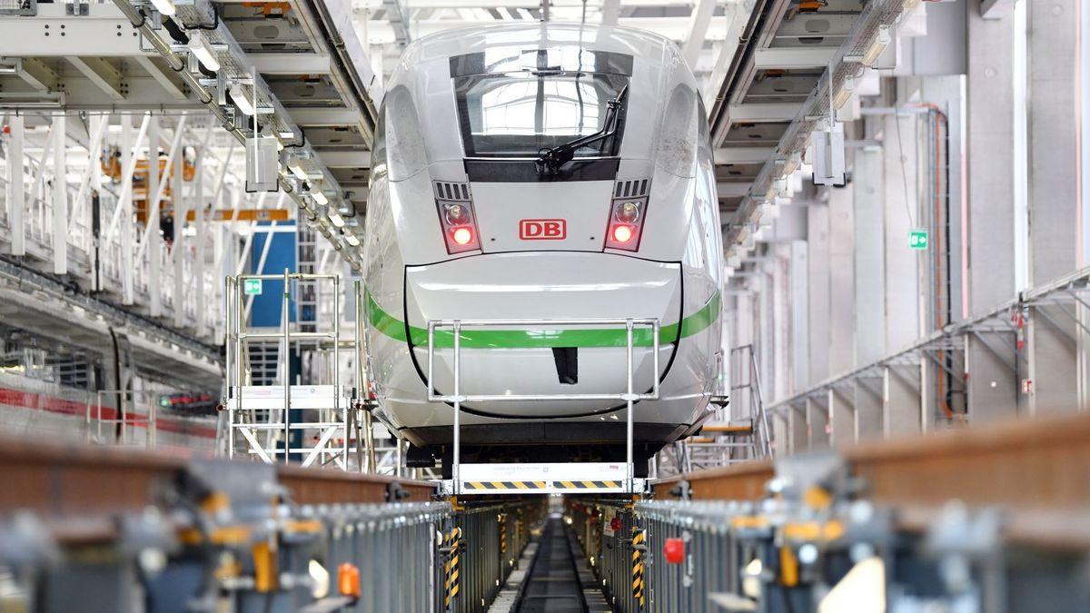 Die Deutsche Bahn will im Großraum Nürnberg ein neues ICE-Werk bauen. Dagegen regt sich seit langem Protest.