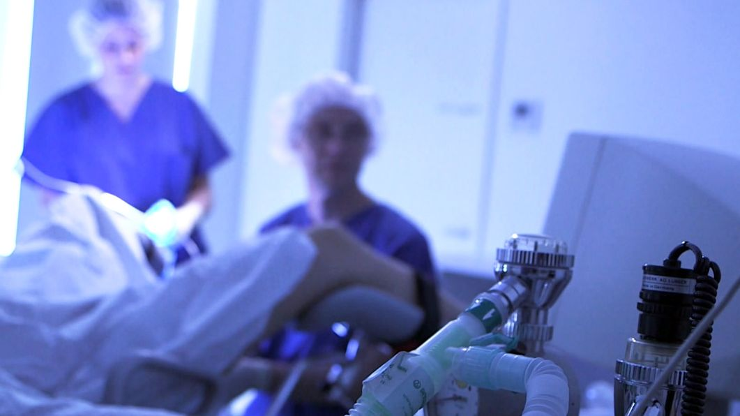 Archivbild: Künstliche Befruchtung in einer Klinik