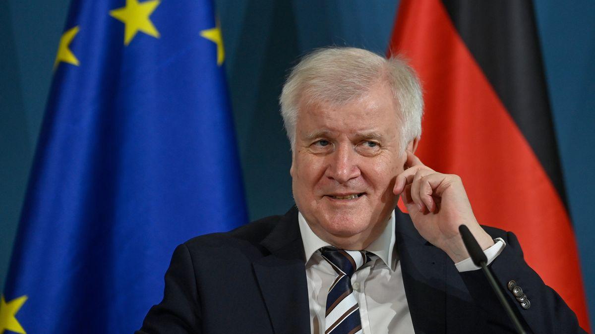 Innenminister Horst Seehofer (CSU) bei seinem Pressestatement