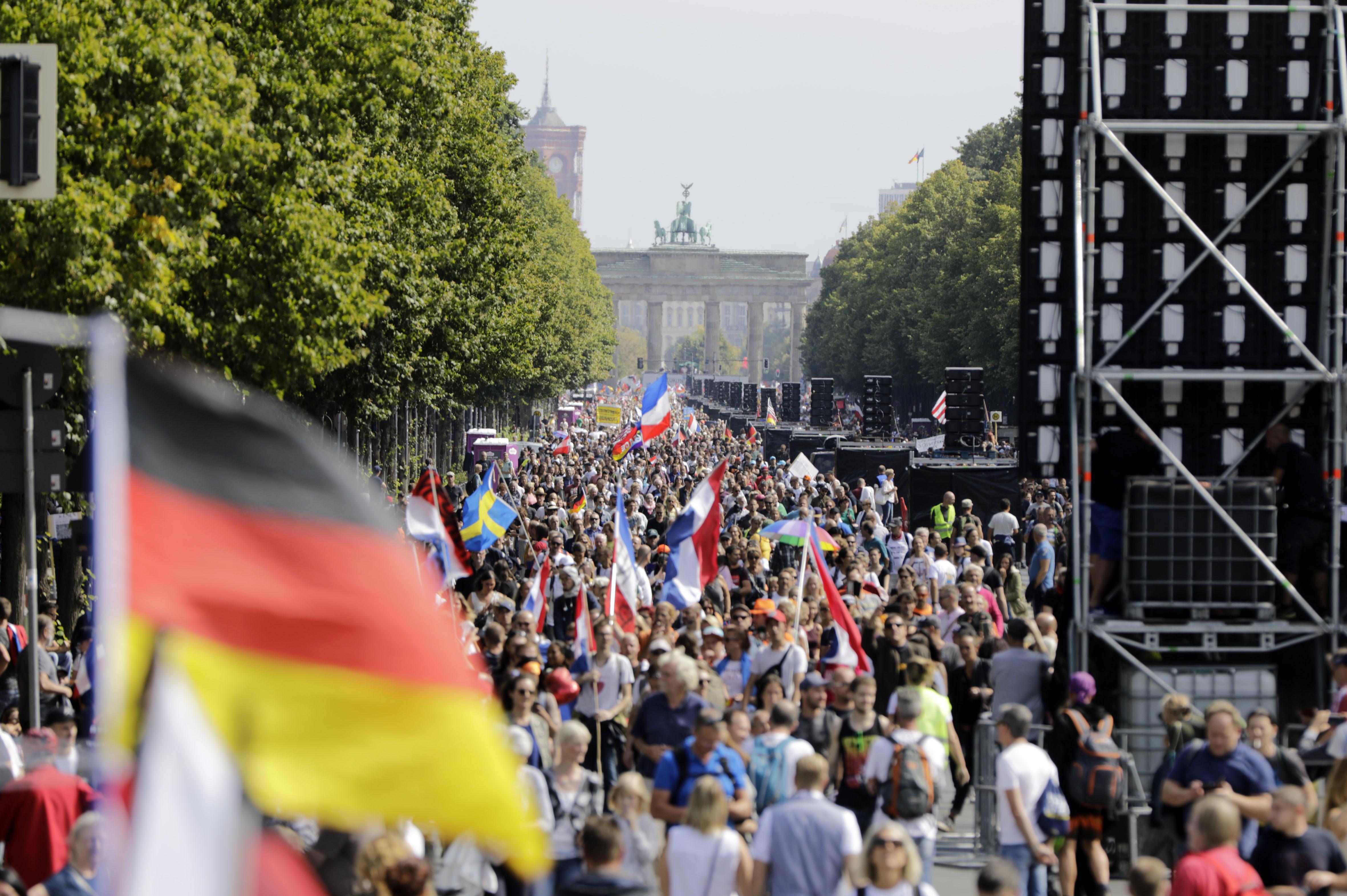 Als Redner bei Berliner Demo? Bayern prüft Auftritte von Polizisten