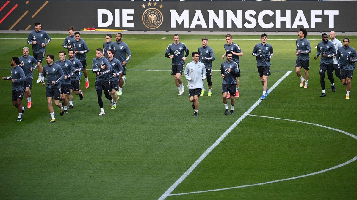 Die DFB-Auswahl beim Training in Duisburg