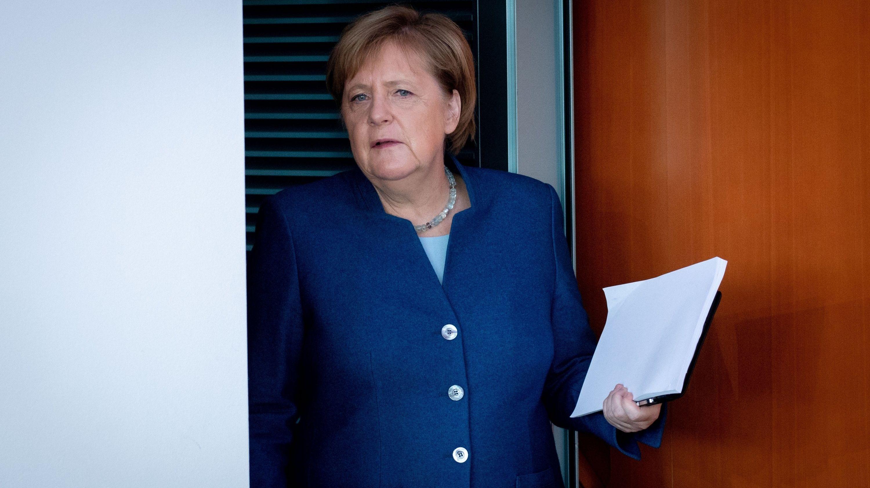 """Merkel gegen raschen Exit: """"Wir leben weiter in der Pandemie"""""""