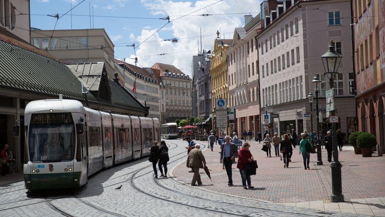 Straßenbahn am Augsburger Moritzplatz