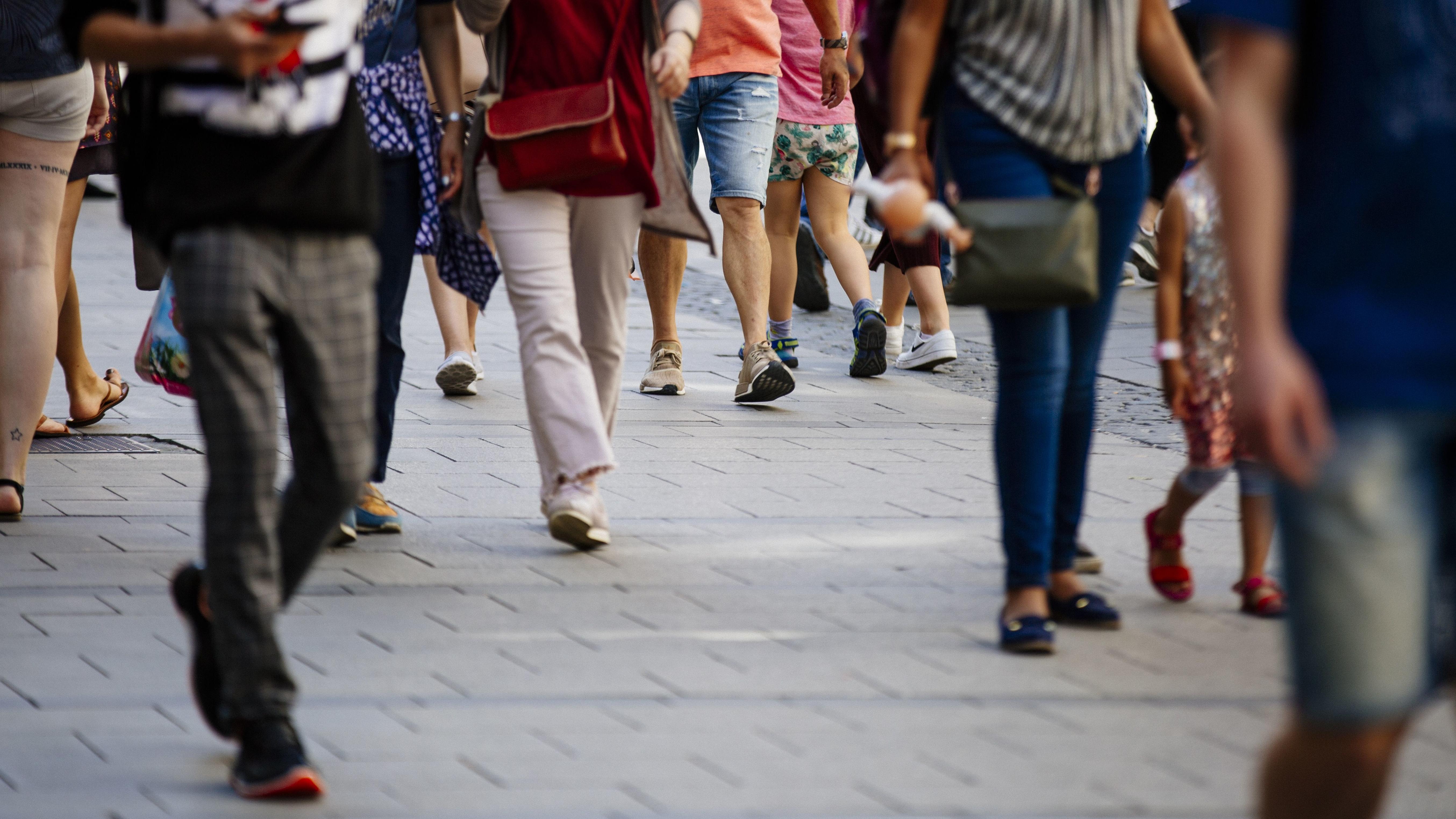 Passanten in der Innenstadt