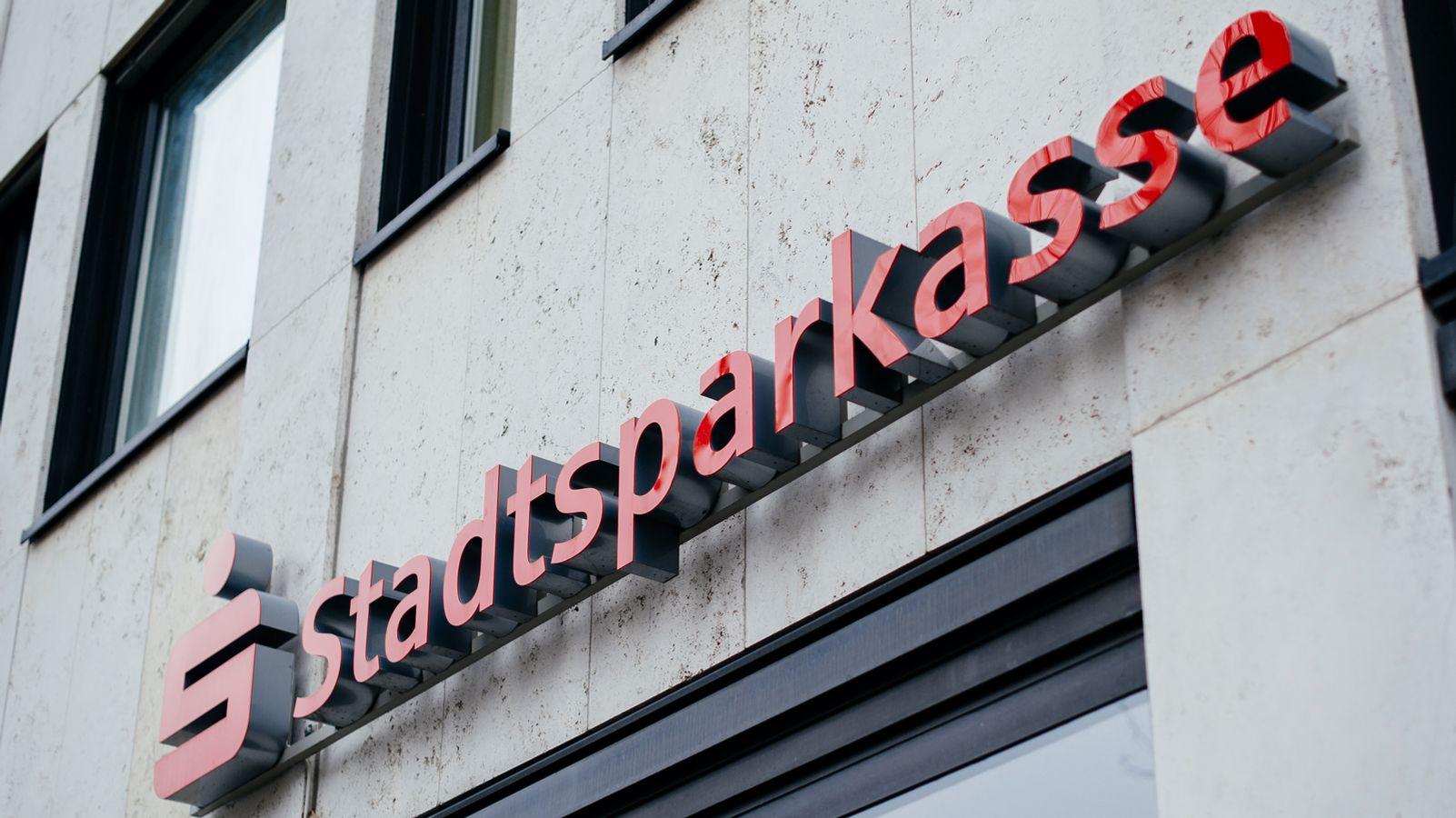 Sparkasse schließt Filialen in Erlangen und im Landkreis