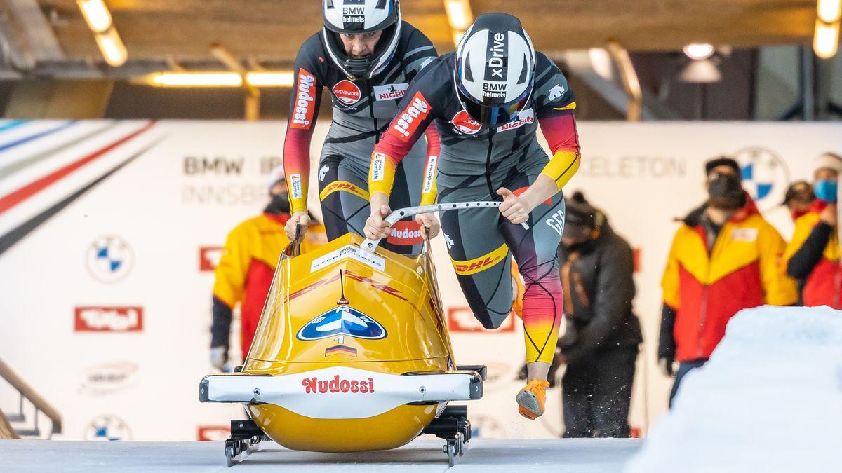 Stephanie Schneider und Leonie Fiebig im Zweierbob-Rennen