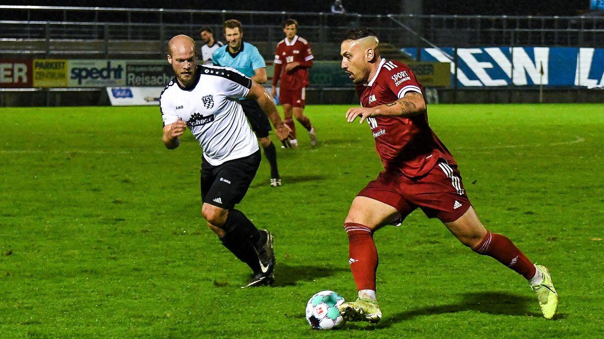 Liga-Pokal: FC Memmingen gegen TSV Rain/Lech, am Ball Memmingens Timo Gebhart.