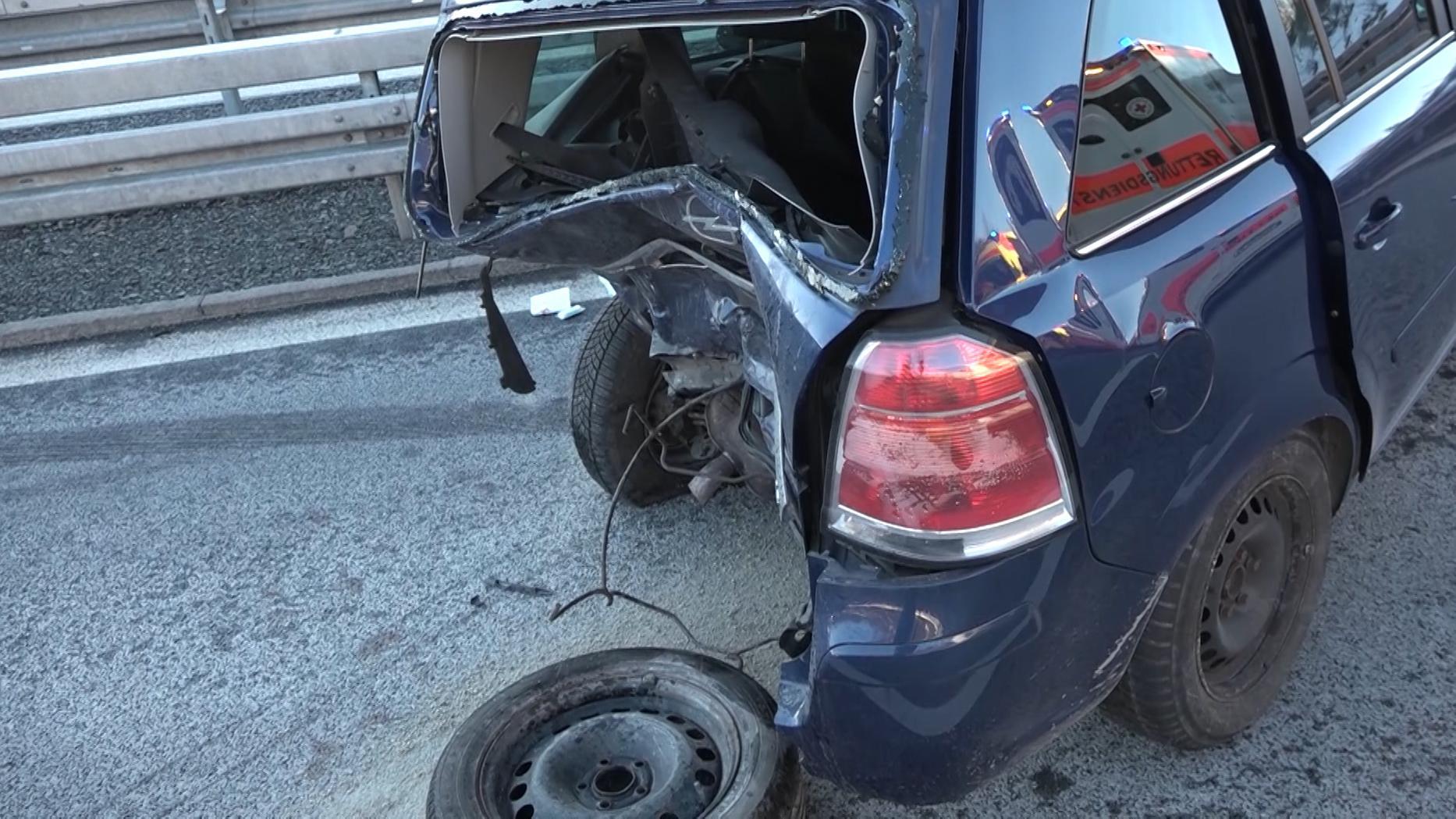 Unfall auf der A93 bei Gattendorf