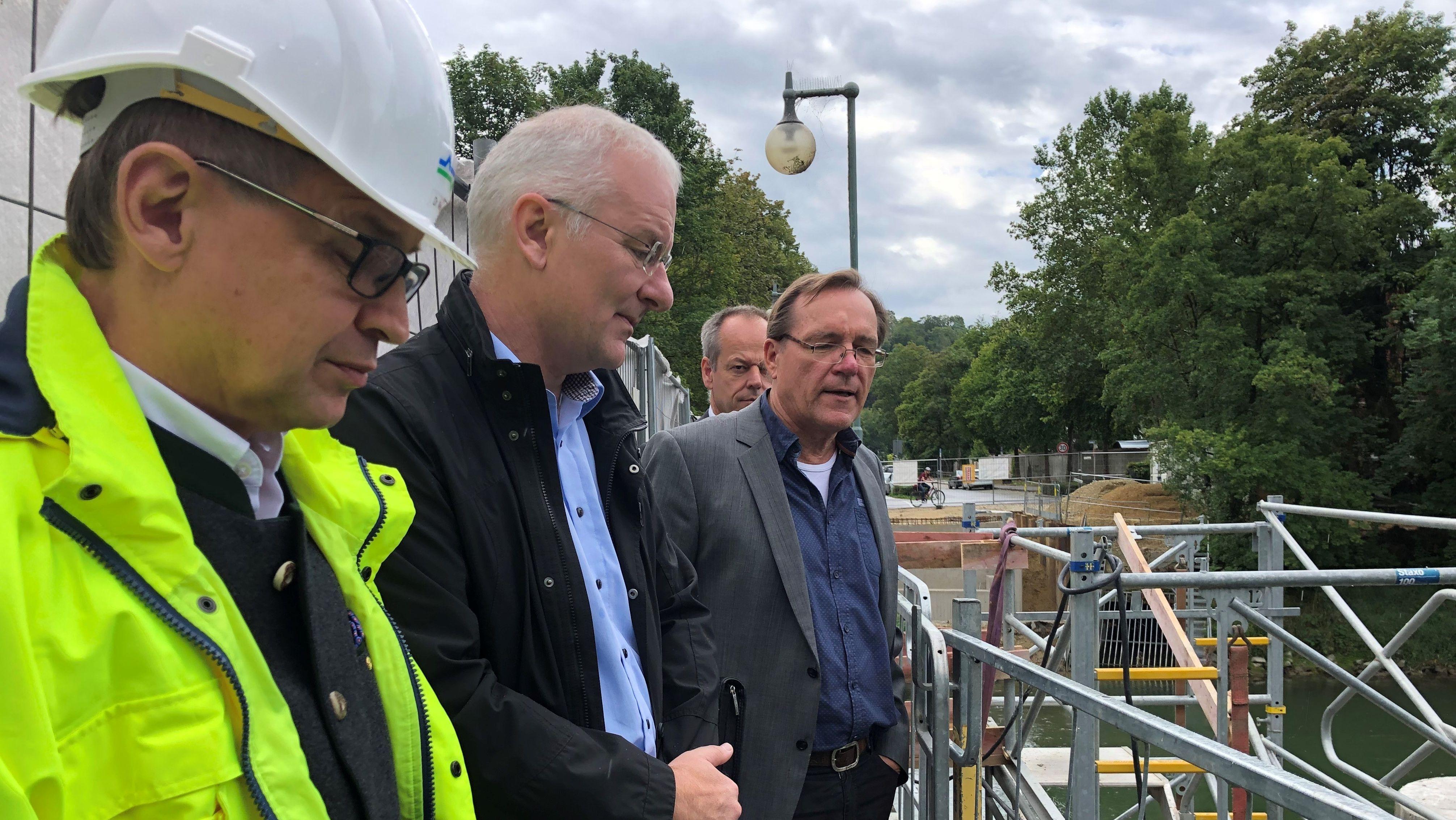 Landshuts OB Alexander Putz auf Baustellenfahrt