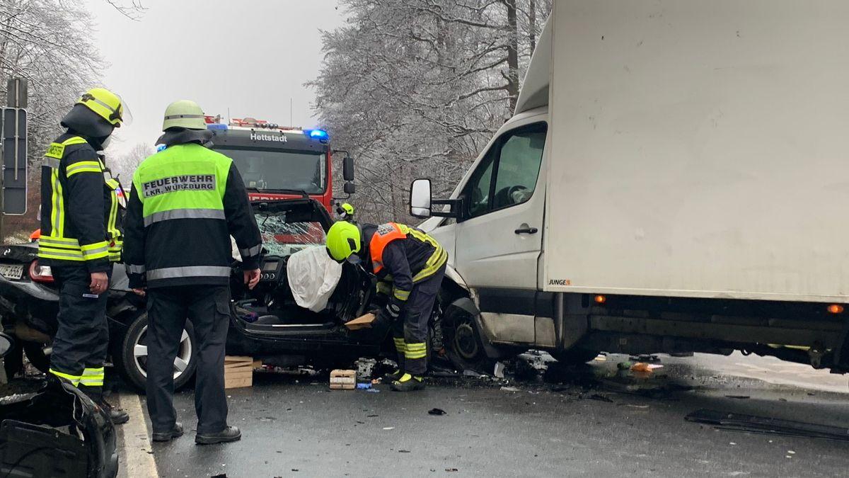 Verkehrsunfall auf der B8 bei Waldbüttelbrunn