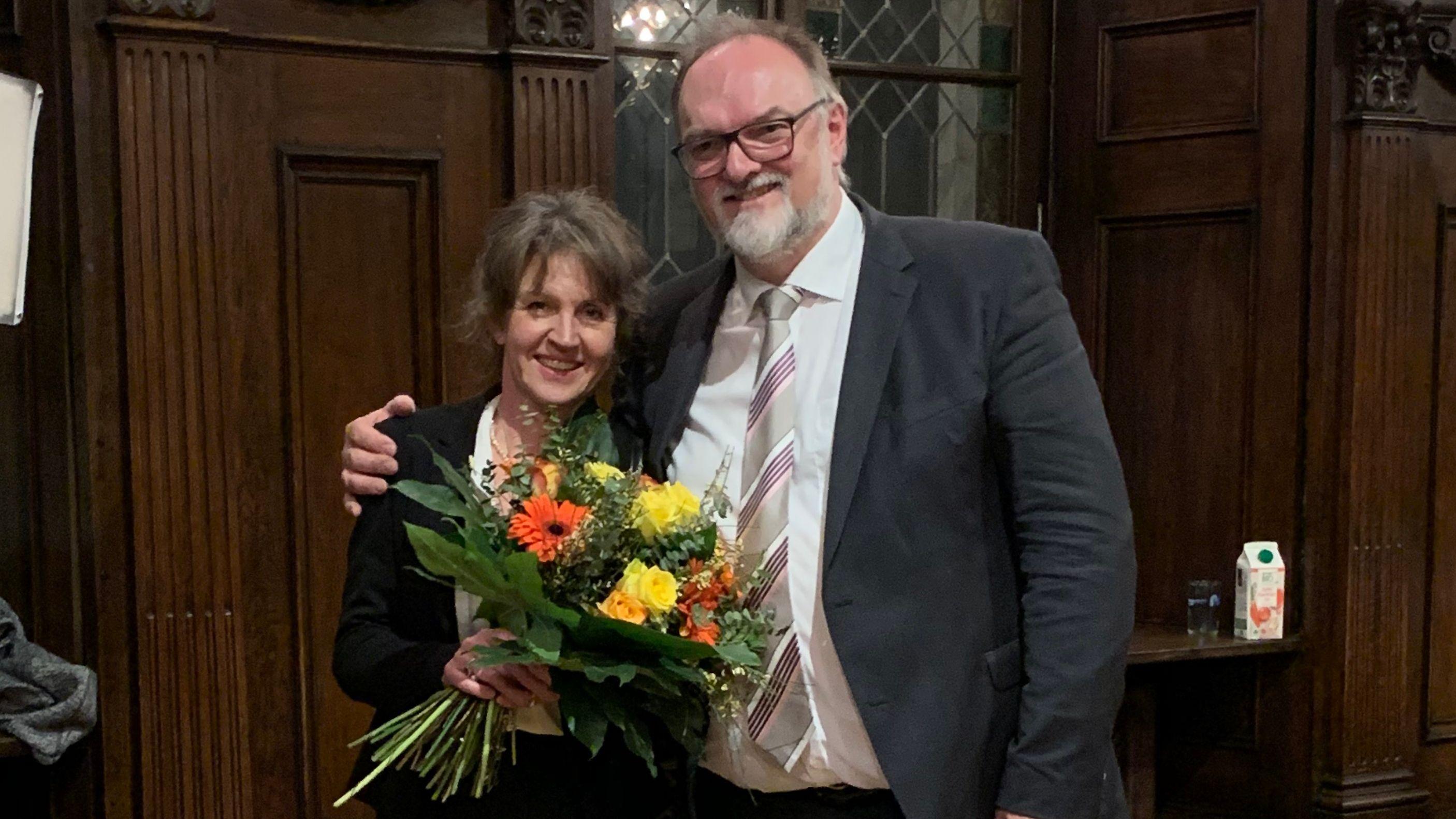Jürgen Dupper (mit Frau) bleibt Bürgermeister in Passau