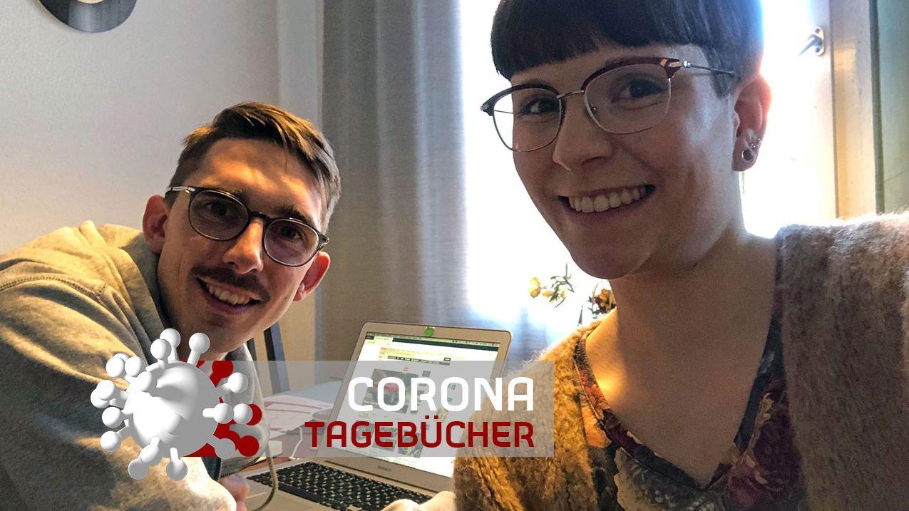 """BR-Reporterin Annika Svitil mit ihrem Mann Sven im """"Qurantäne""""-Home-Office"""