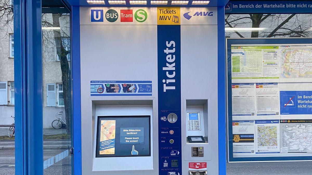 Ticketautomat der MVV an einer Haltestelle