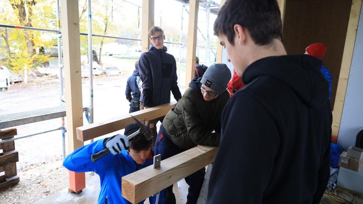 Schüler von der Lebenshilfe packen mit an