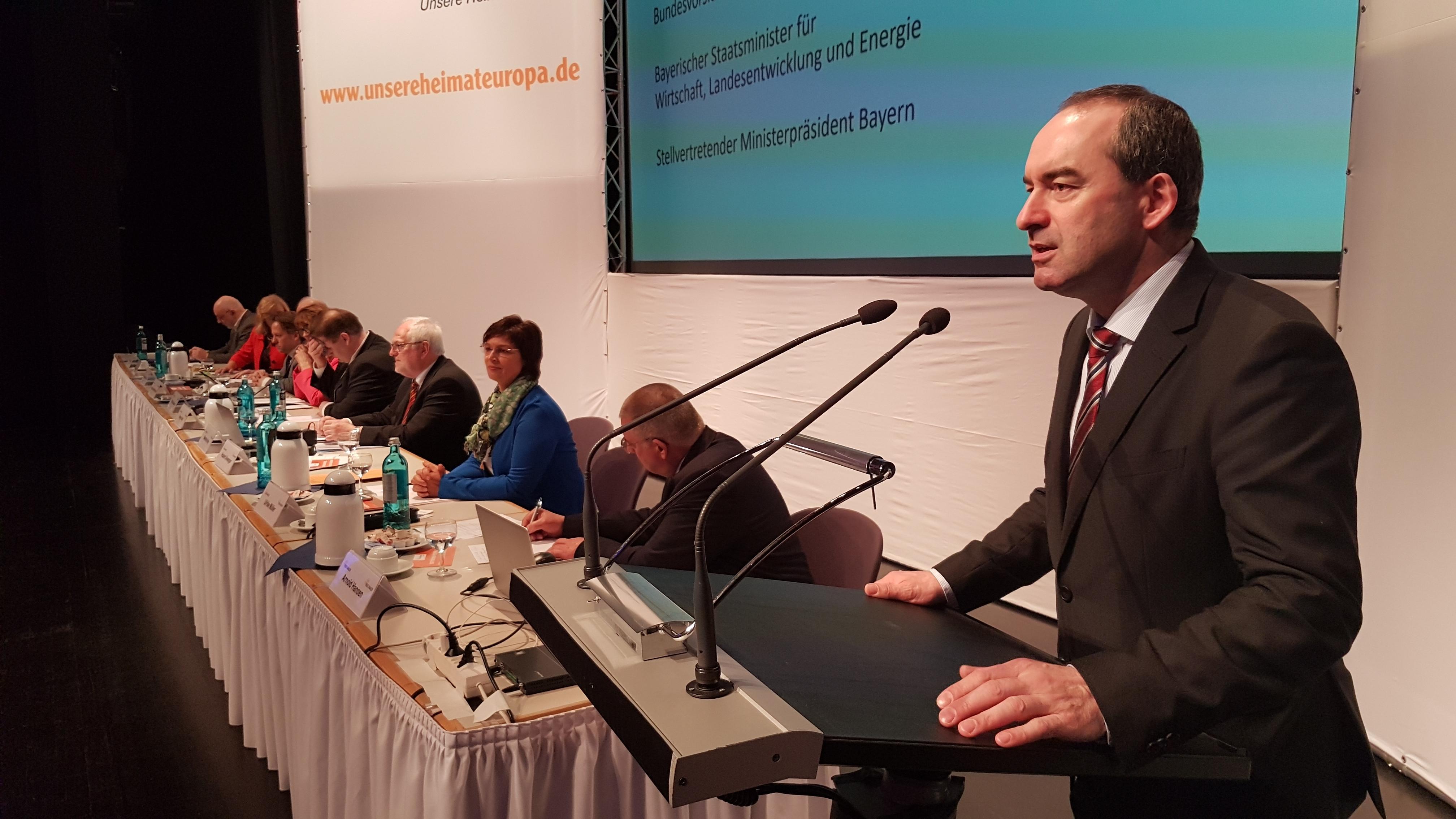 Bundesvorsitzender Hubert Aiwanger am Bundesparteitag der Freien Wähler in Aschaffenburg
