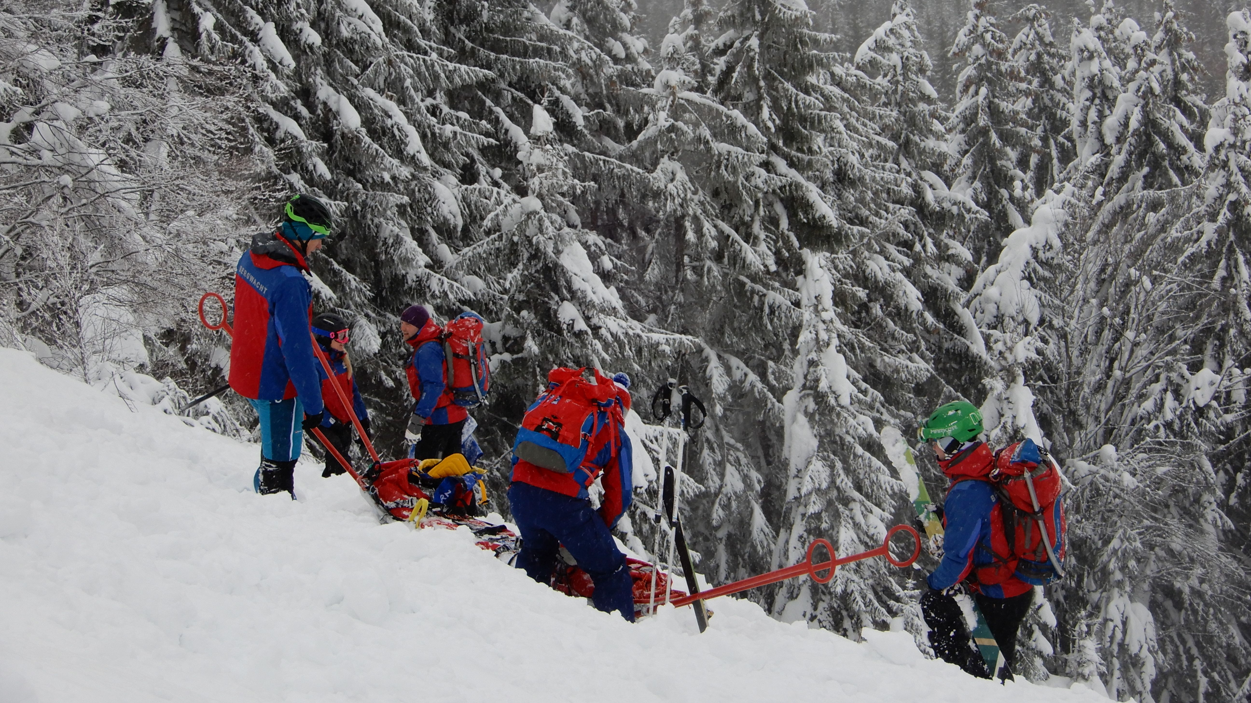Die meisten Einsätze mit 57 Prozent sind 2018 auf den Winter gefallen: Skifahren, Rodeln, Langlaufen.