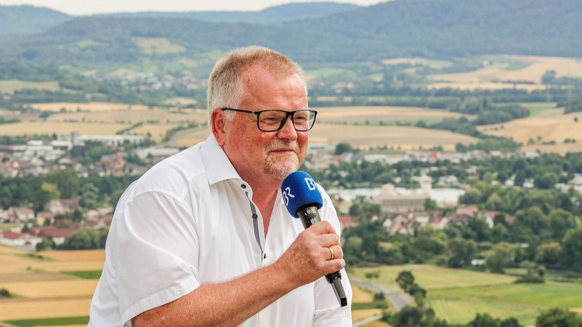 Der langjährige Leiter des BR Studios Würzburg, Eberhard Schellenberger