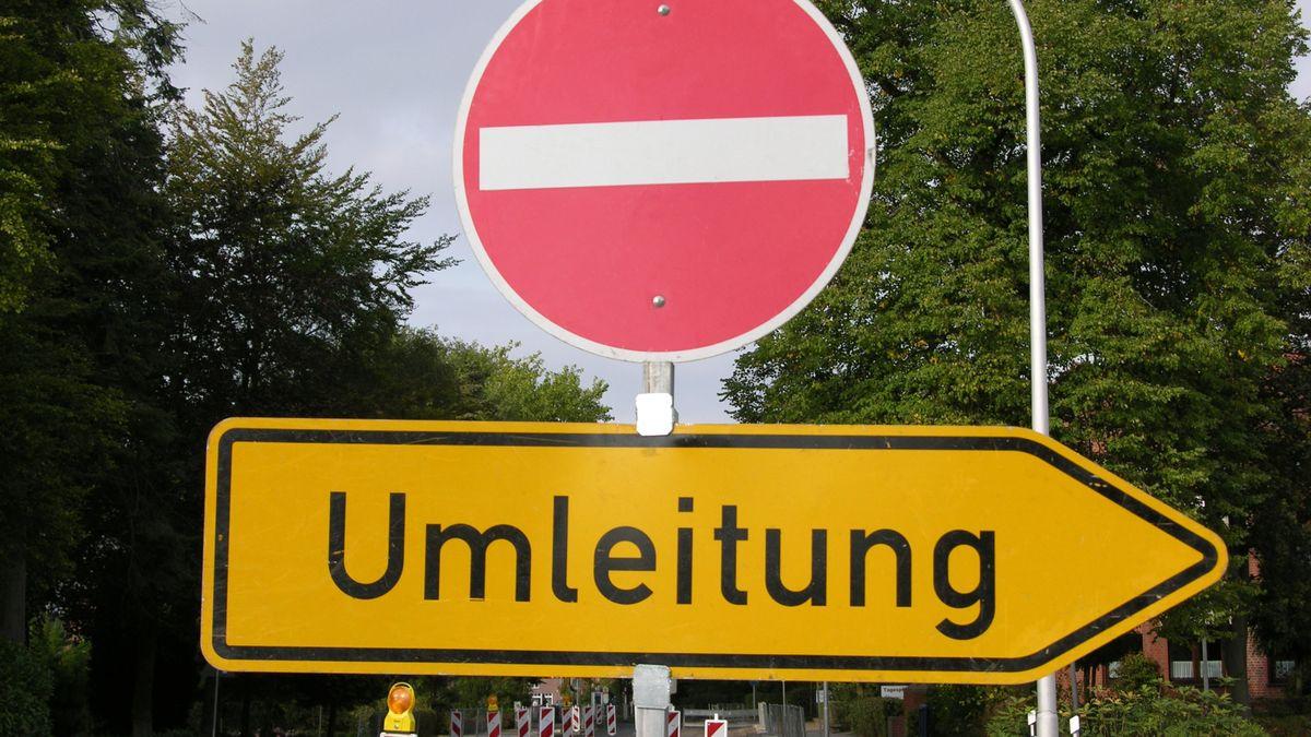 Verkehrsschilder, Umleitung, Durchfahrt verboten