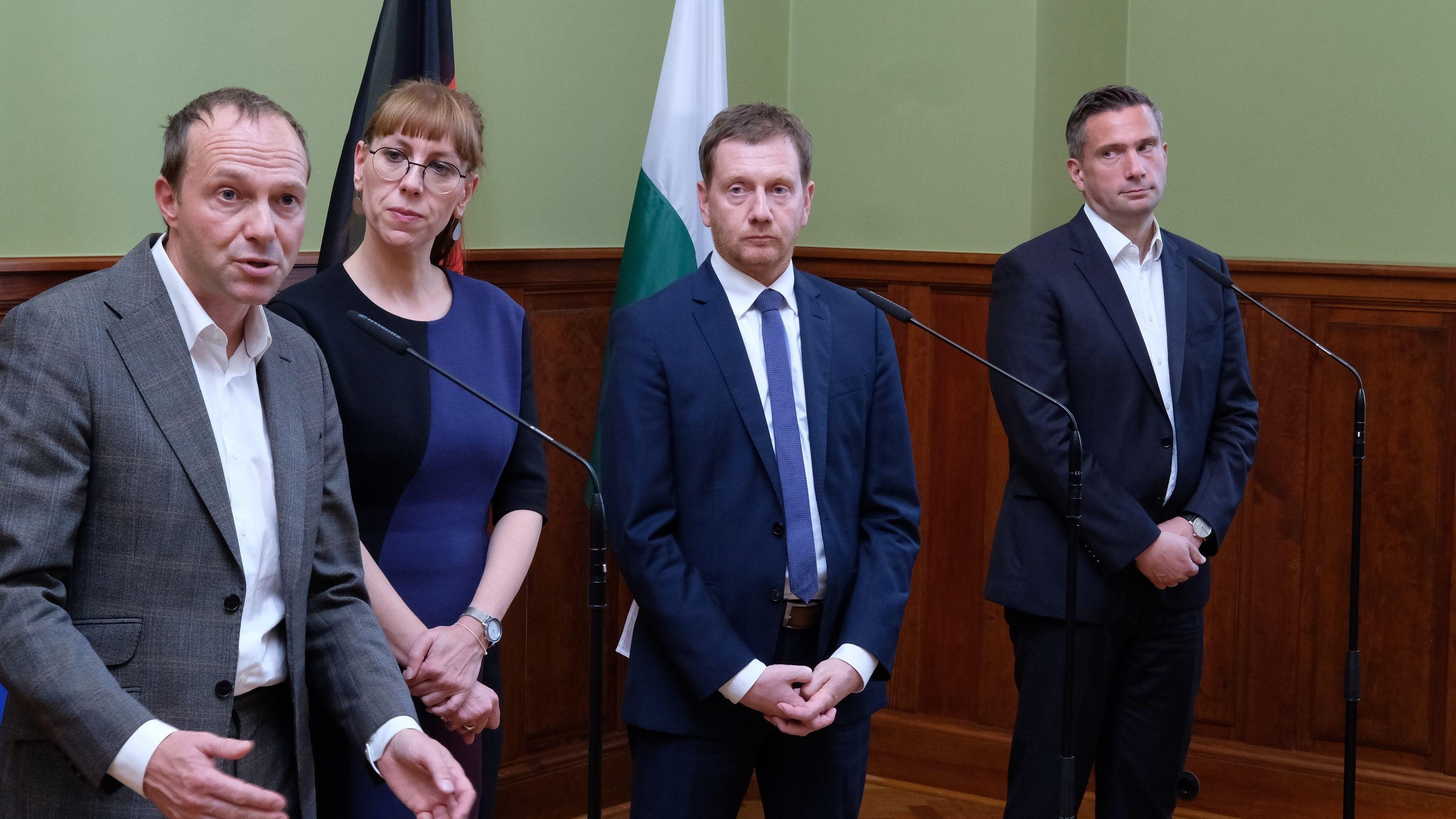 Wolfram Günther und Katja Meier, Spitzenkandidaten von Bündnis 90/ Die Grünen zur sächsischen Landtagswahl, Michael Kretschmer (CDU), Sachsens Ministerpräsident, und Martin Dulig, Vorsitzender der SPD Sachsen