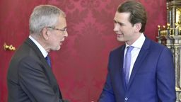 Kurz und Van der Bellen geben Zeitplan für Neuwahlen bekannt | Bild:picture-alliance