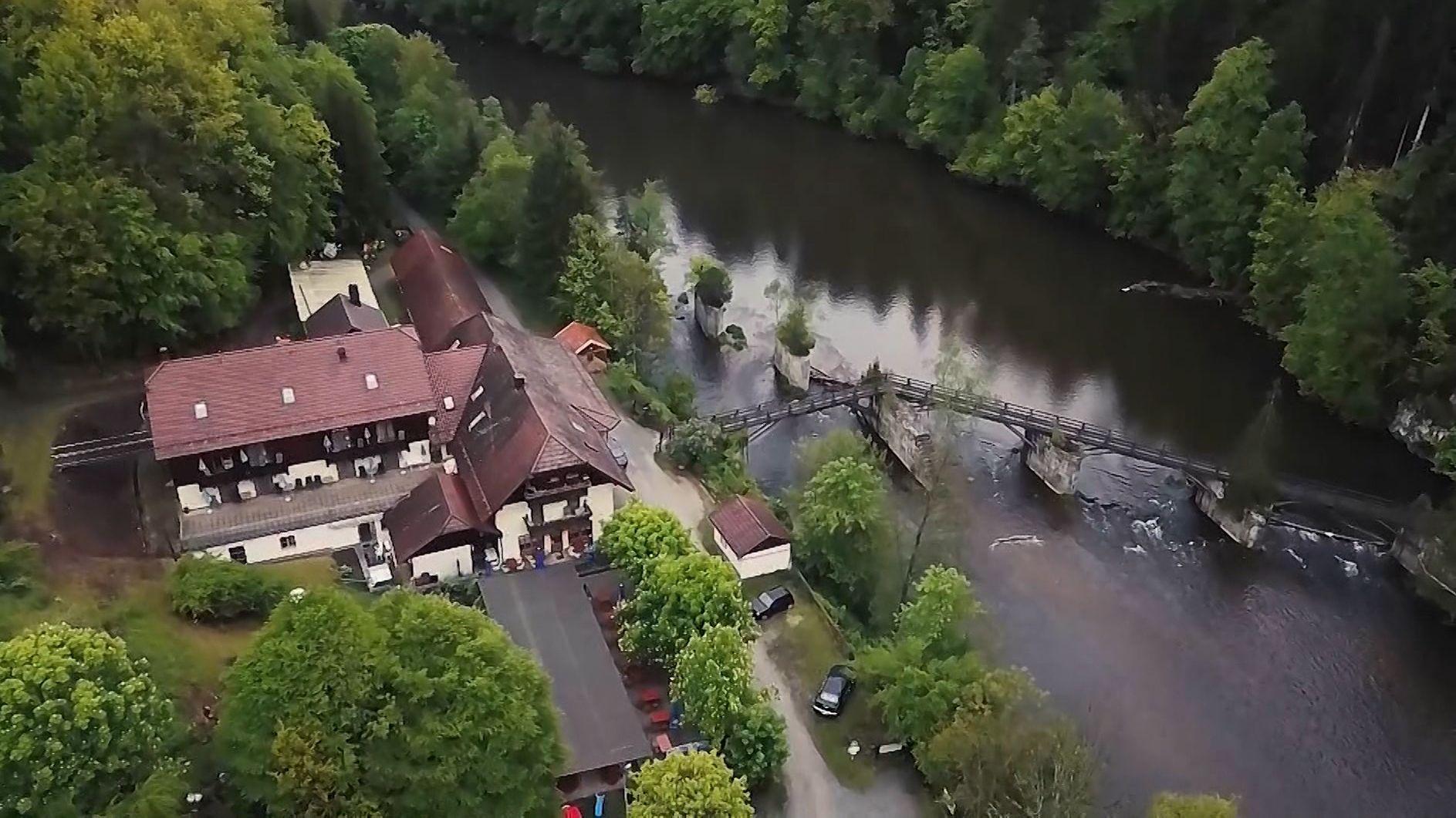 Die Pension in Passau, in der ein Zimmermädchen die drei Leichen mit den Pfeilen in ihren Körpern entdeckt hat.