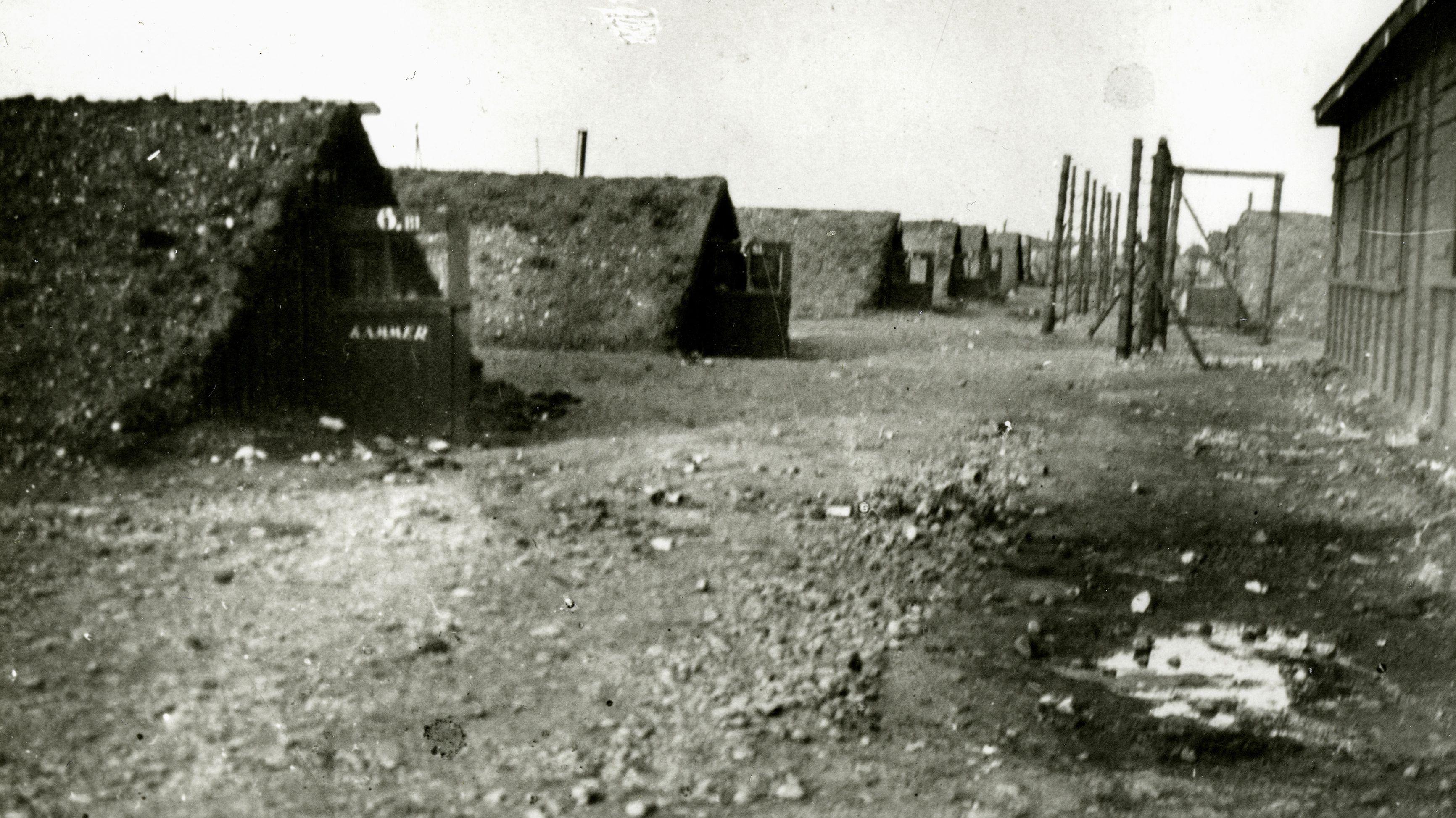Areal des KZ Außenlagers Kaufering nach der Befreiung 1945