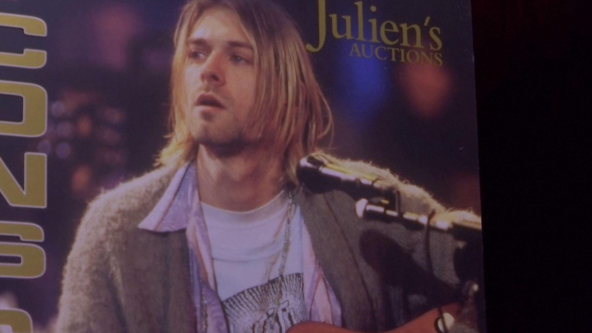 Kurt Cobain mit seiner legendären Strickjacke