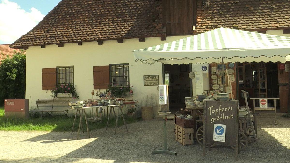 Schwäbisches Freiluft-Bauernhofmuseum Illerbeuren mit der Töpferei