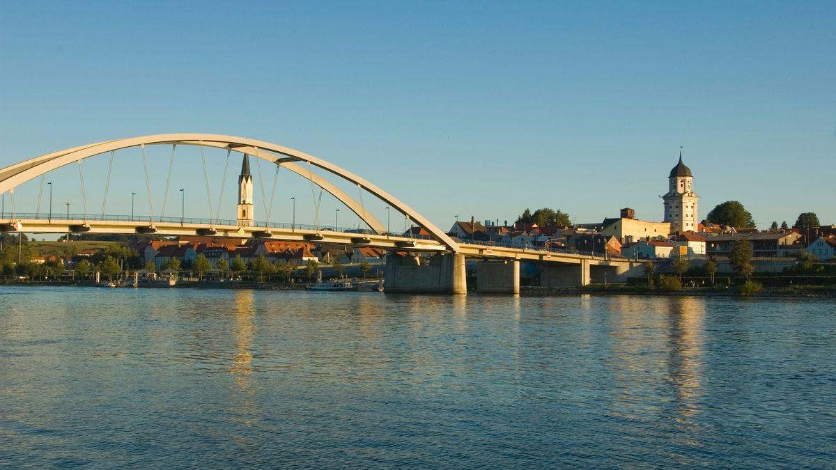 Die Marienbrücke in Vilshofen an der Donau