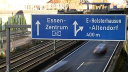 Autobahn A40, Nordrhein-Westfalen, Essen | Bild:pa/dpa/Ina Fassbender