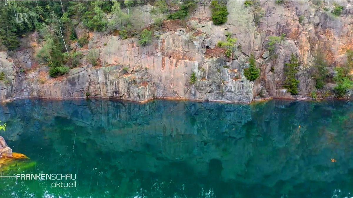 Der stillgelegte Steinbruch auf der Hohen Reuth.