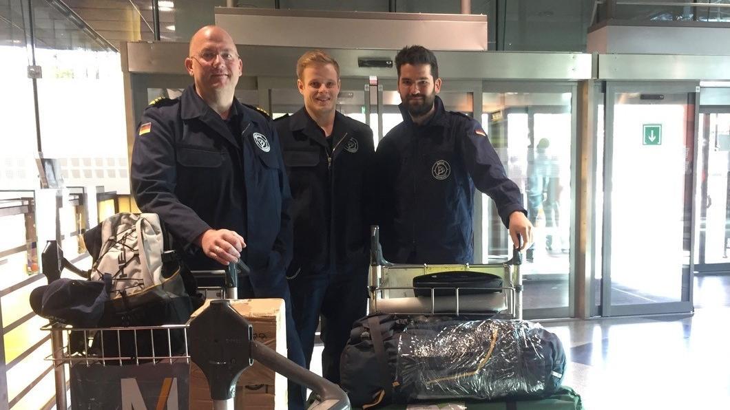 """""""Fact Finding Team"""" vor dem Abflug: Bild 1 (von links): Werner Hammerschmid (Teamleiter), Dominik Ziegltrum, Dr. Alexander Beck"""
