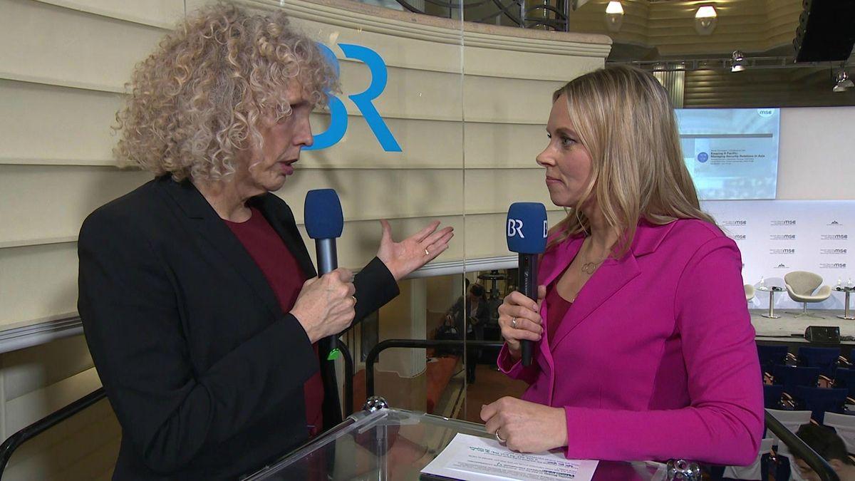 Jennifer Morgan, Chefin von Greenpeace, im Interview mit BR-Redakteurin Birgit Kappel.