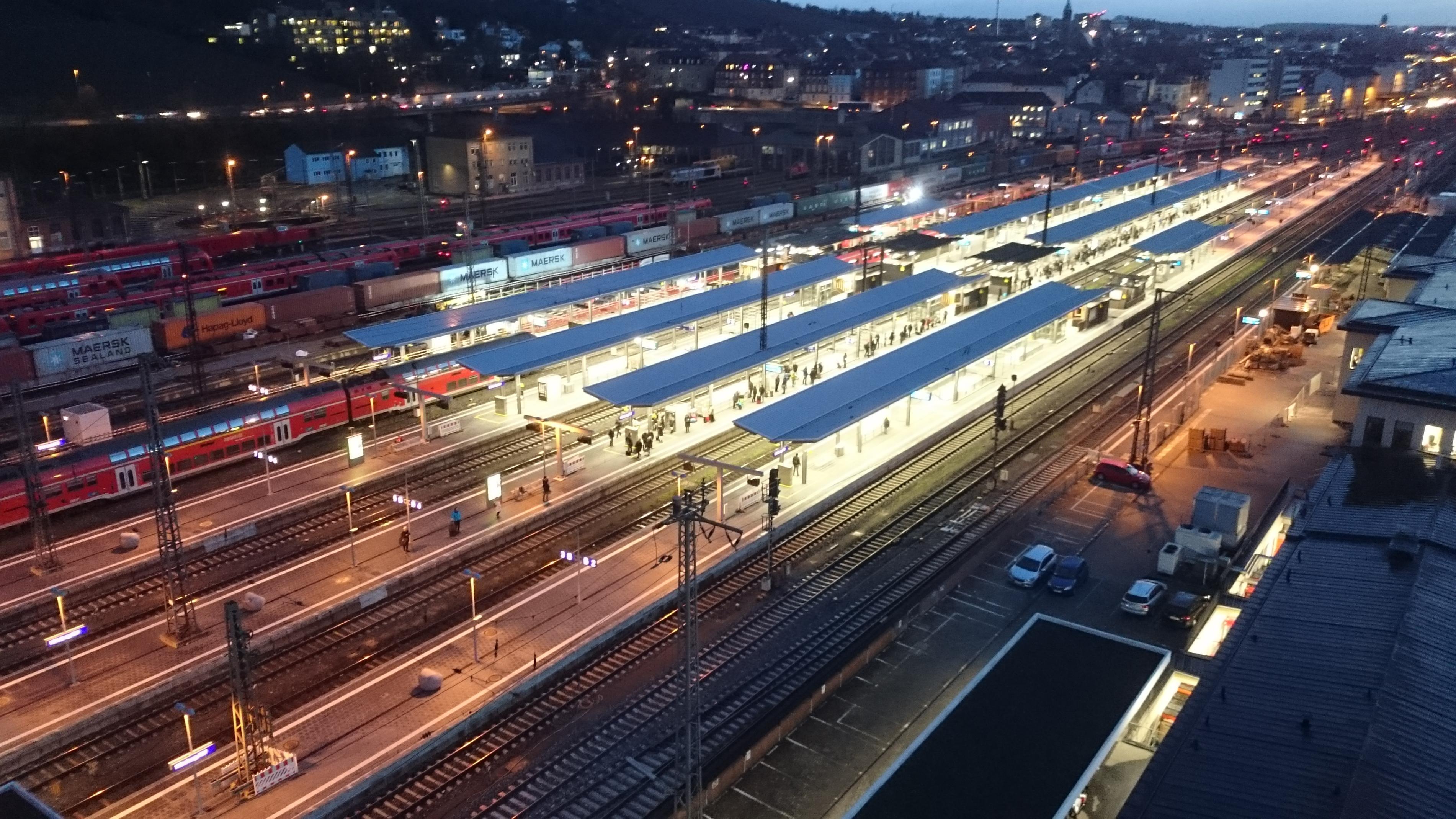 Kein Zug in Sicht am Würzburger Hauptbahnhof