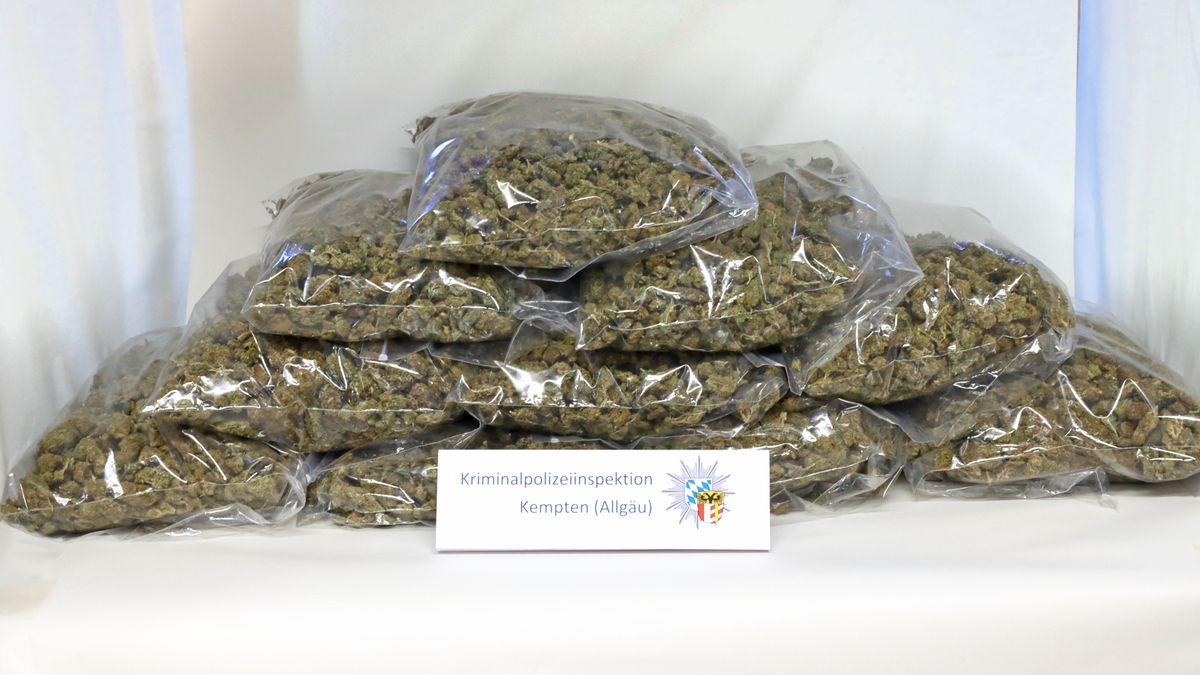 Schleierfahnder stellten auf der A7 10 Kilogramm Marihuana sicher.