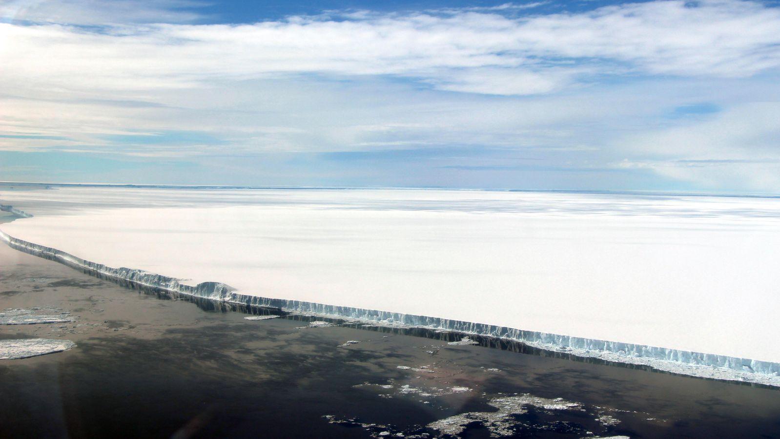 Drei Jahre nach Abbruch: Enormer Eisberg treibt im Südatlantik