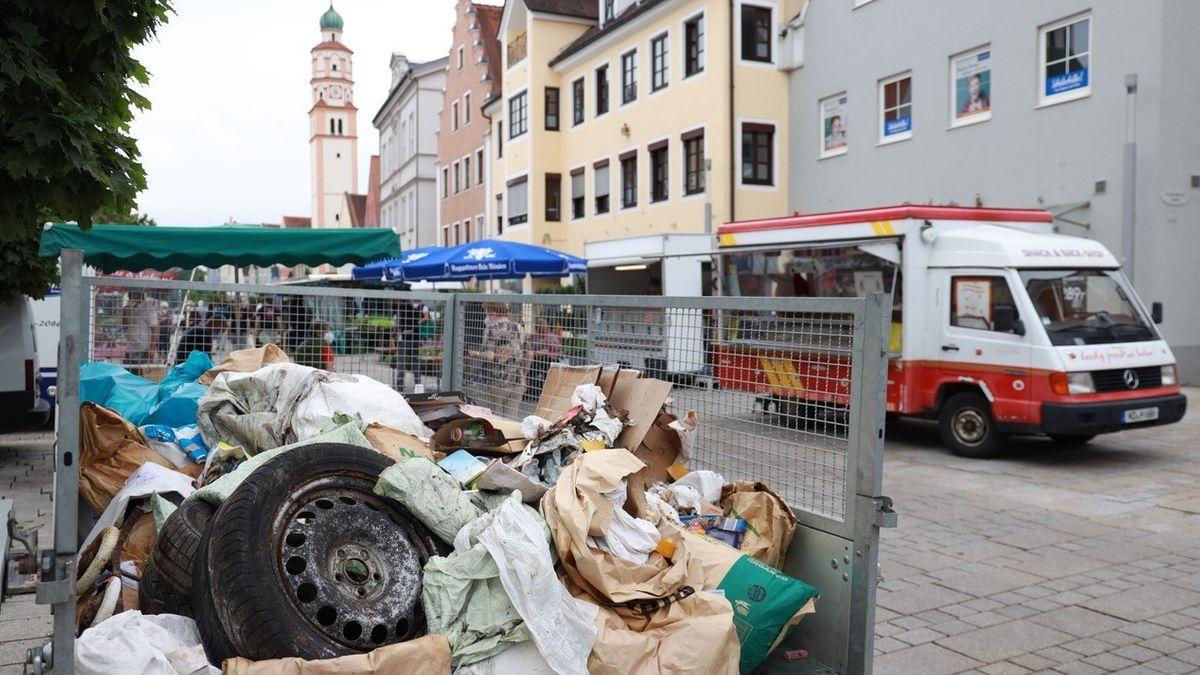 Autoreifen mit Müll aus der Umgebung von Schrobenhausen.